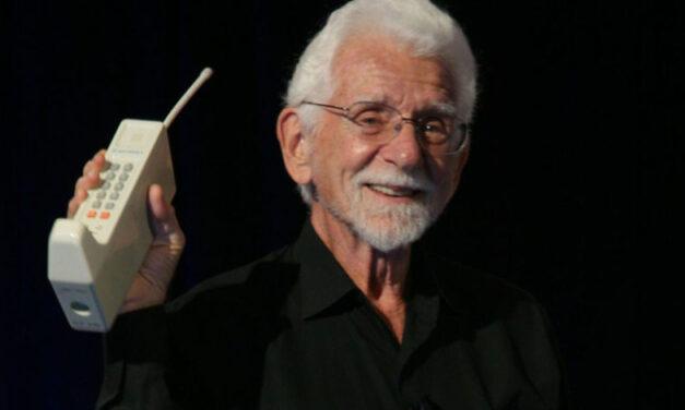 La primera llamada de teléfono celular explorada en un nuevo libro