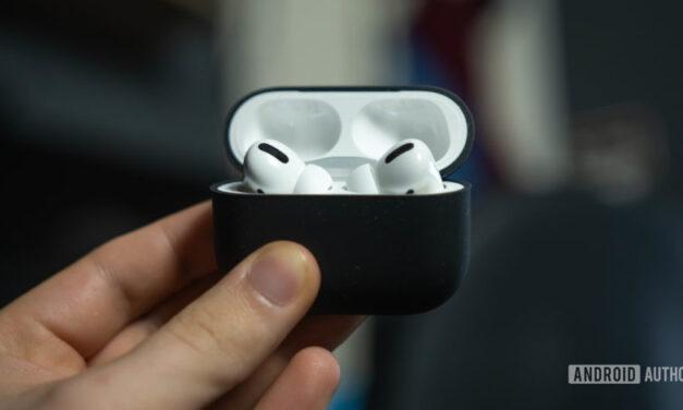 Los próximos auriculares inalámbricos sin varilla de Apple en exhibición por Apple