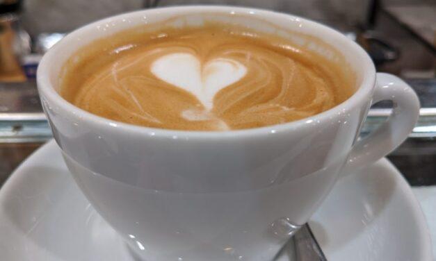 """Google Fotos recibe la sección """"Zumbido maravilloso"""" para refrescar tus recuerdos del café"""